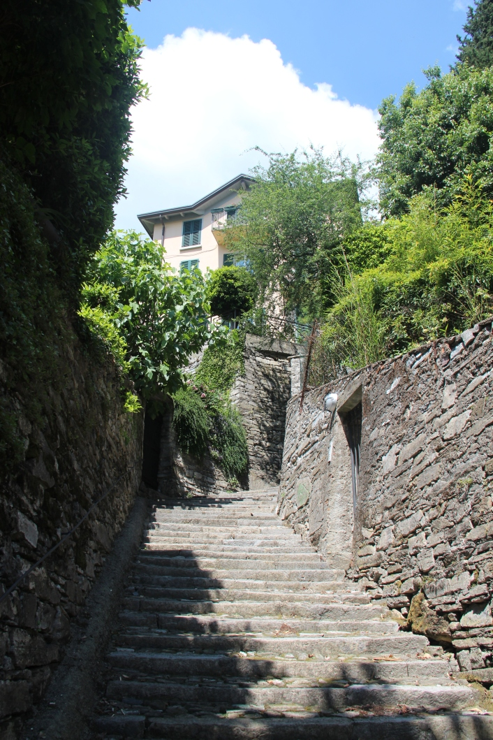 Steps to climb in Moltrasio.