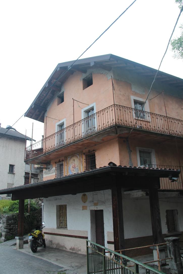 Livo, Italy:  New Construction